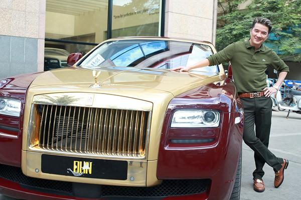 Đàm Vĩnh Hưng cùng Rolls-Royce Ghost mạ vàng