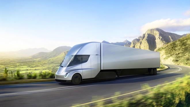 Tesla Semi có khả năng tăng tốc ấn tượng ngay cả khi kéo theo kiện hàng phía sau