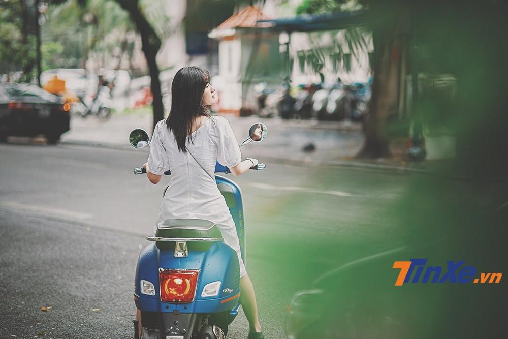 """Vespa GTS 150 iGet lãng mạn cùng """"nàng thơ"""" trong gió thu Hà Thành - 8"""