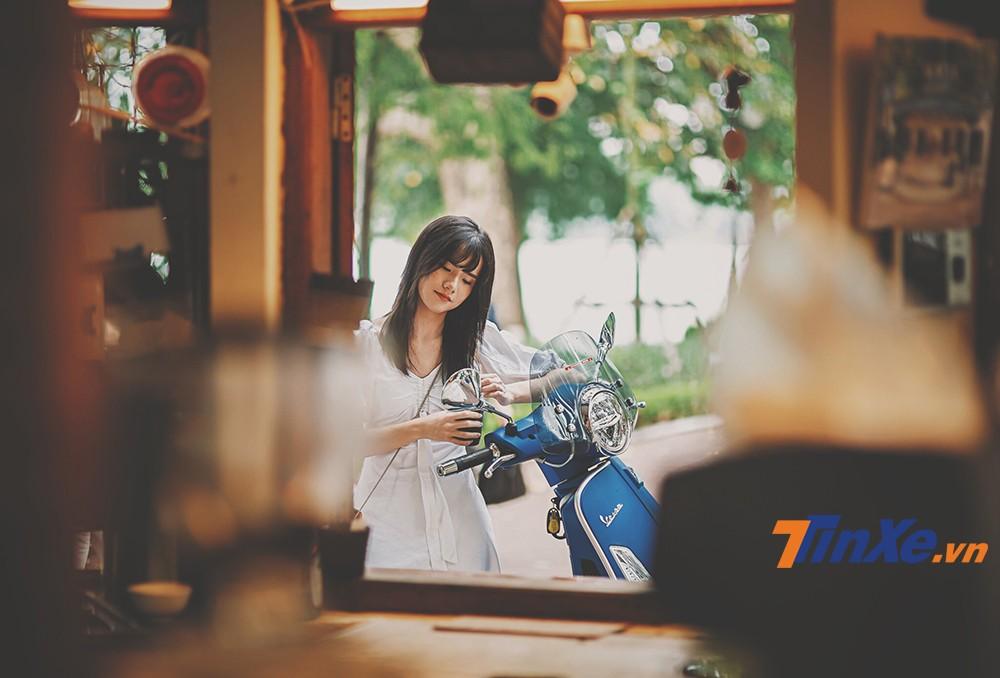 """Vespa GTS 150 iGet lãng mạn cùng """"nàng thơ"""" trong gió thu Hà Thành - 13"""