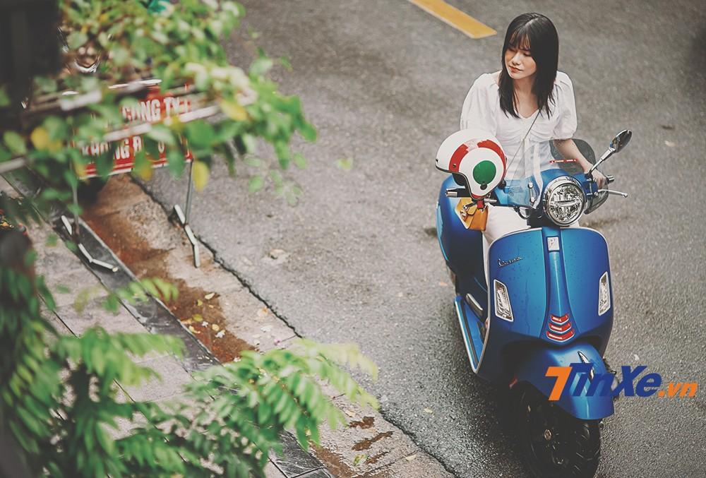 """Vespa GTS 150 iGet lãng mạn cùng """"nàng thơ"""" trong gió thu Hà Thành - 3"""
