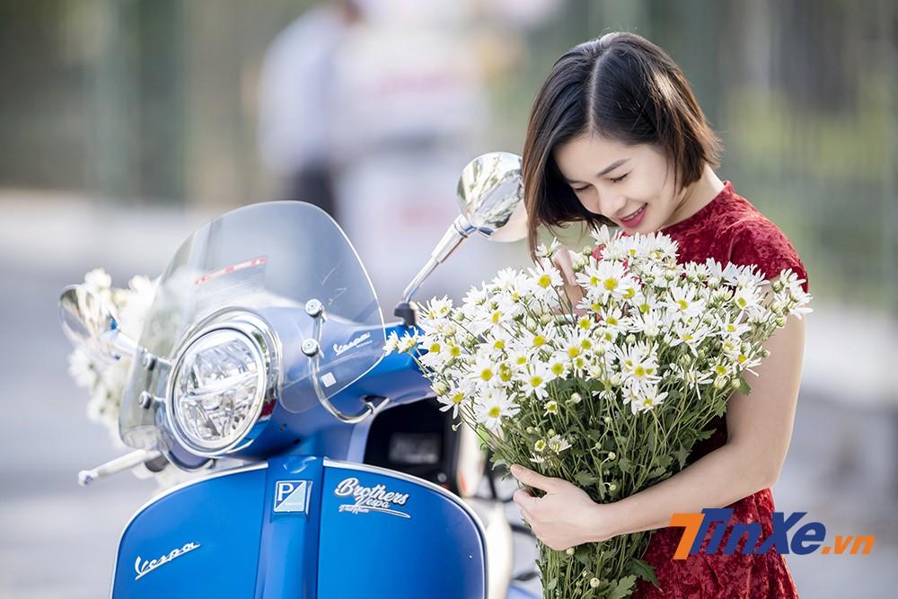 Lãng mạn đầu đông cùng người đẹp Hà thành, cúc họa my và Vespa - 10