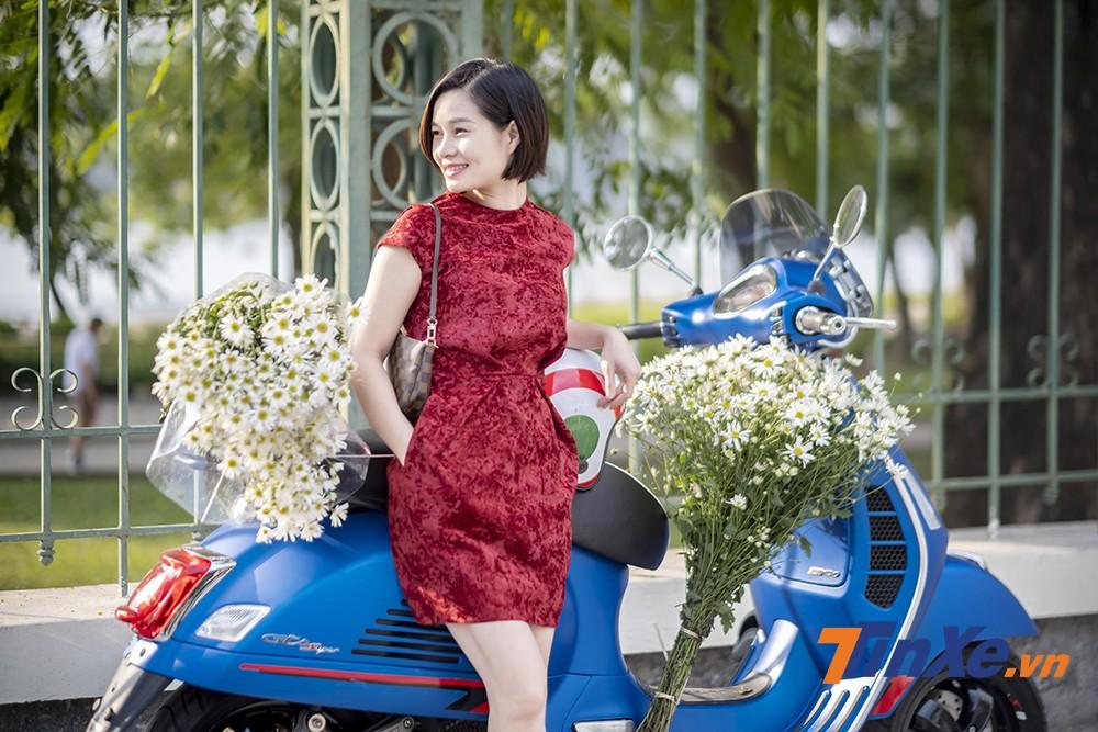 Lãng mạn đầu đông cùng người đẹp Hà thành, cúc họa my và Vespa - 3