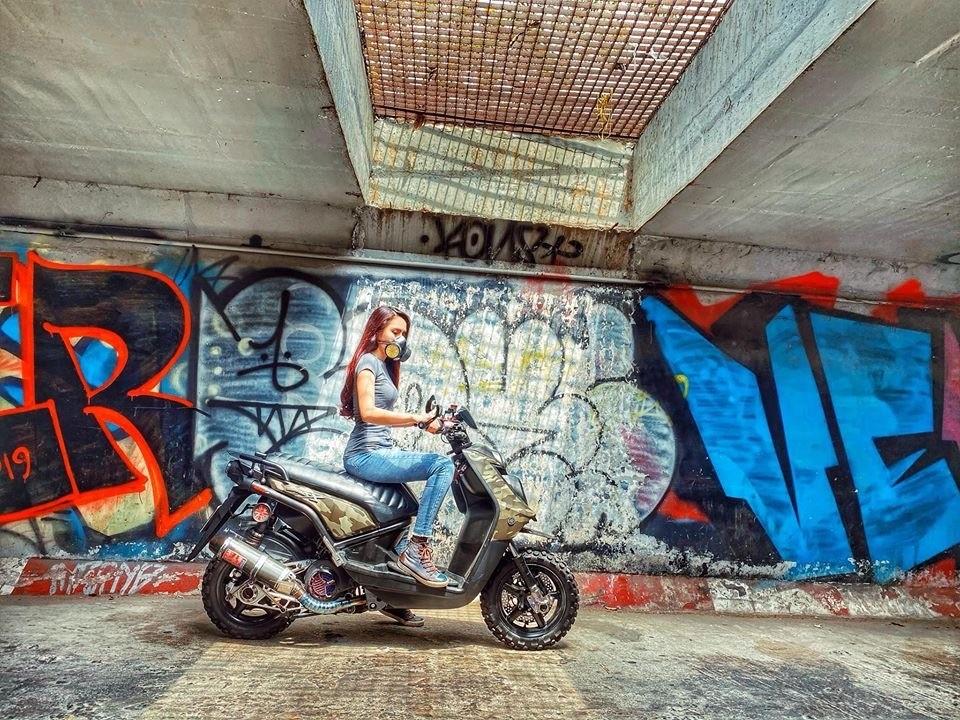 Cô nàng cá tính và Yamaha BW's độ lạ: Bộ đôi hoàn hảo - 11
