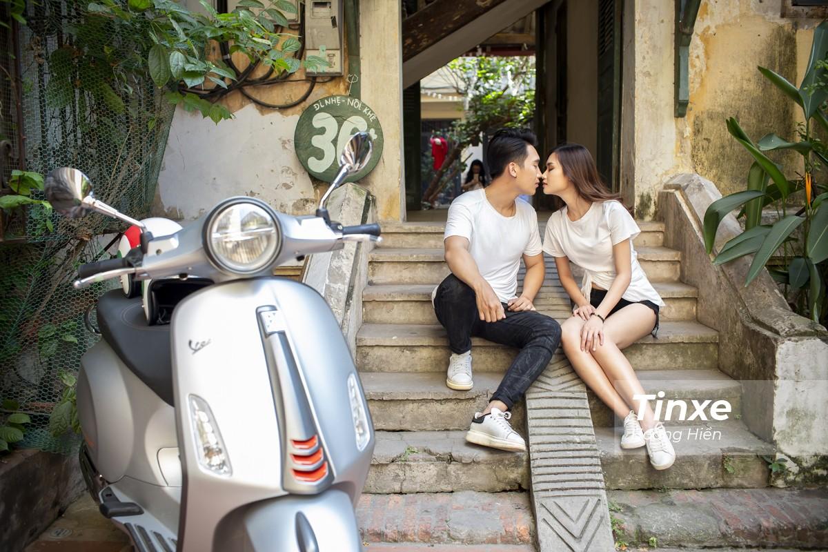 Cặp đôi xuống phố cùng Vespa Primavera ABS - 7