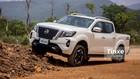 """Video: Nissan Navara 2021 - Xứng tên """"Vua bán tải"""" chạy phố"""
