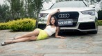 Vương Đóa Đóa tạo dáng đáng yêu, nhí nhảnh bên Audi A5 mạ bạc toàn thân - 2