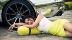 Vương Đóa Đóa tạo dáng đáng yêu, nhí nhảnh bên Audi A5 mạ bạc toàn thân - 7
