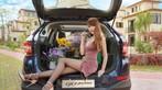 """Tức mắt với bộ ảnh """"vợ nhà người ta"""" tạo dáng xinh đẹp bên Soueast DX7 Prime - 22"""