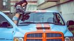 Người đẹp Nhan Đan khoe thân hình bốc lửa bên bán tải Dodge Ram SRT-10 - 8