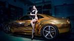 Người mẫu Tôn Minh Lộ khoe thân thể nóng bỏng bên Chevrolet Camaro độ hoàng kim - 7