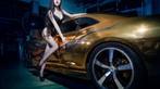 Người mẫu Tôn Minh Lộ khoe thân thể nóng bỏng bên Chevrolet Camaro độ hoàng kim - 10