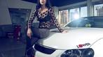Ngắm nữ diễn viên Nhậm Thiêm Kỳ khoe dáng gợi cảm bên Toyota Mark X - 1