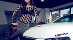 Ngắm nữ diễn viên Nhậm Thiêm Kỳ khoe dáng gợi cảm bên Toyota Mark X - 3