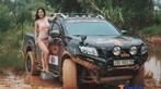 """Chân dài Việt """"vầy bùn"""" cùng xe bán tải - 3"""