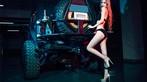 Chân dài 9x diện đồ lót đen bên mẫu xe off-road hầm hố - 12