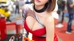 Ngắm người mẫu Thái Lan vừa dễ thương lại vừa gợi cảm ở Auto Salon 2018 - 21