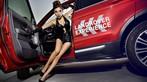 Người mẫu Na Đóa diện trang phục gợi cảm bên Range Rover độ hình rồng bắt mắt - 12