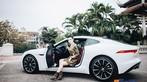 Á hậu Huyền My khoe dáng nuột bên Jaguar F-Type mới sắm - 4
