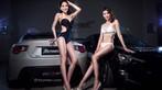 Cặp đôi người mẫu song sinh diện bikini trắng và đen khiến người nhìn hoa cả mắt - 3