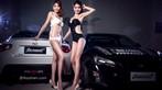 Cặp đôi người mẫu song sinh diện bikini trắng và đen khiến người nhìn hoa cả mắt - 5