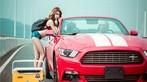 Hot girl thản nhiên diện nội y gợi cảm để xin đi nhờ xe Ford Mustang - 4