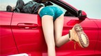 Hot girl thản nhiên diện nội y gợi cảm để xin đi nhờ xe Ford Mustang - 14