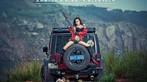 Người mẫu gốc Hoa thể hiện cá tính, khoe vẻ gợi cảm bên Jeep Wrangler - 3