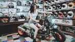 Video: Ngắm nhìn thiếu nữ Việt khoe dáng bên Honda Zoomer độ độc