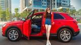 Á hậu Dương Tú Anh khoe dáng thể thao bên Audi Q3 2020 - 5