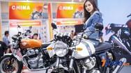 Ngắm nhìn dàn người mẫu trẻ trung, xinh đẹp tại Vietnam AutoExpo 2019