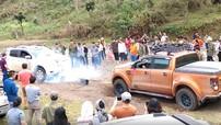 Chevrolet Colorado gãy trục láp khi chơi 'kéo co' với Ford Ranger
