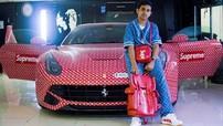 Thiếu gia 15 tuổi khoác bộ cánh Louis Vuitton x Supreme cho siêu xe Ferrari