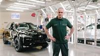 """Jaguar F-Pace thứ 100.000 xuất xưởng trước sự chứng kiến của """"Người đặc biệt"""""""