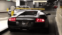 Những thanh chắn barrier tự động không làm khó được siêu xe Lamborghini Murcielago
