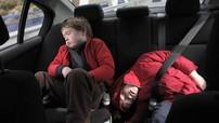 Chở trẻ nhỏ trên xe hơi, cần lưu ý điều gì?