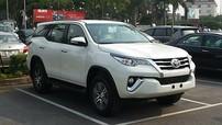Toyota Fortuner khan hàng, đại lý 'hét' giá tăng 200 triệu