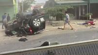 Thanh Hóa: Ford Everest gây tai nạn liên hoàn rồi lật ngửa, 4 người thương vong