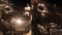 Hình ảnh chiếc Mercedes thủng một lỗ lớn trên kính chắn gió tại Phú Quốc khiến cư dân mạng thắc mắc