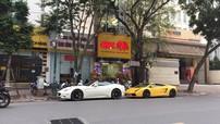 Ngày đầu năm mới, cặp đôi siêu xe Ferrari California và Lamborghini Gallardo khoe dáng trên phố Hà thành