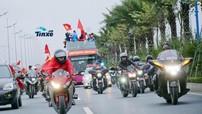 Dàn xe Harley-Davidson vất vả hộ tống U23 Việt Nam về Hà Nội