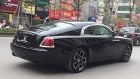 Mới được thông quan, Rolls-Royce Wraith Black Badge đã bị bắt gặp lăn bánh trên đường phố Hà thành