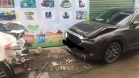 Hà Nội: Thợ học việc lùi Kia K3, đâm trúng Mazda CX-5 2018 đang đỗ