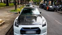 Siêu xe đường phố Nissan GT-R lượn lờ trên đường phố Sài thành