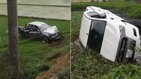 2 chiếc Ford Ranger lao xuống ruộng trong cùng 1 ngày