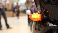 Bật đèn xi-nhan khi nào để không bị phạt?