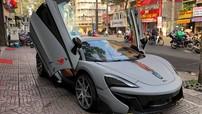 """Siêu xe McLaren 570S độ Vorsteiner độc nhất Việt Nam """"tắm nắng"""" tại Sài thành"""