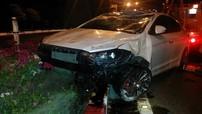 Hyundai Elantra nổ lốp, lăn nhiều vòng tại Vũng Tàu