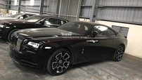 Chiếc Rolls-Royce Wraith Black Badge bí ẩn nhất Việt Nam đã được thông quan