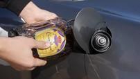 Bài học đáng đời cho thanh niên đổ rượu vào bình xăng của xe Porsche Boxster